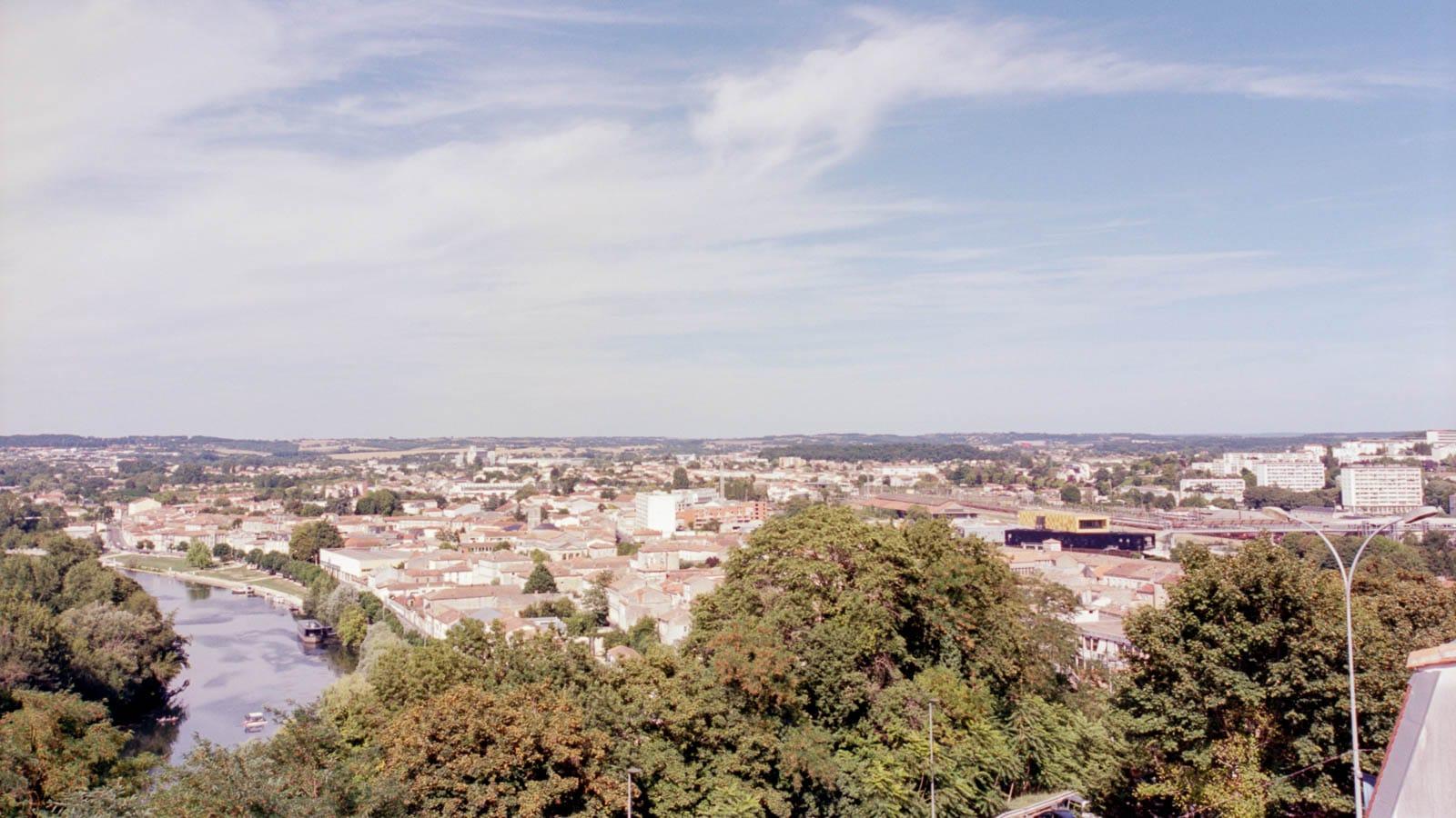 Philippe –  Paysage estival et mono-chrome