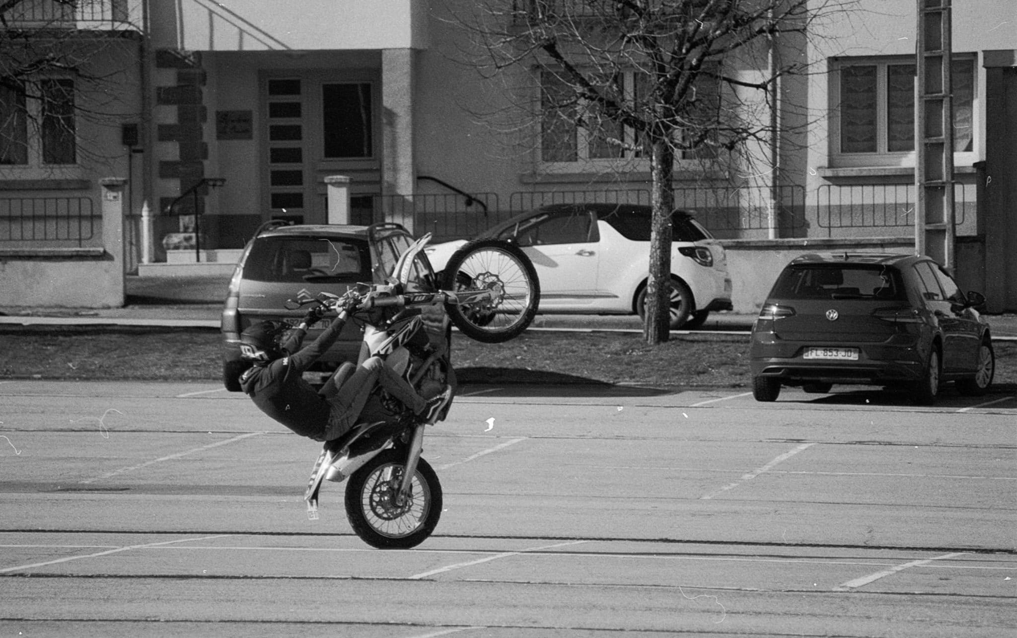 Eric – Photos de rues à la KENTMERE 400